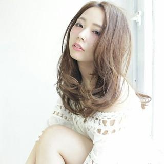 外国人風 大人かわいい ガーリー セミロング ヘアスタイルや髪型の写真・画像