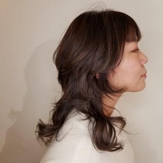 ウルフカット ニュアンスウルフ 大人かわいい ナチュラル ヘアスタイルや髪型の写真・画像