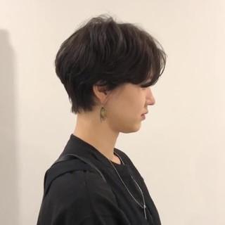 アンニュイほつれヘア 簡単スタイリング マッシュショート デート ヘアスタイルや髪型の写真・画像