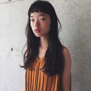 暗髪 無造作 ロング ウェーブ ヘアスタイルや髪型の写真・画像