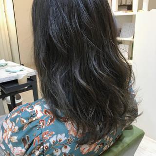 アッシュ セミロング グラデーションカラー デート ヘアスタイルや髪型の写真・画像