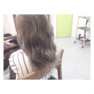 シルバー セミロング 外国人風 ハイトーン ヘアスタイルや髪型の写真・画像