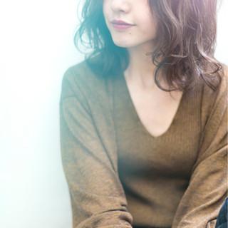 前髪あり ナチュラル アンニュイ 抜け感 ヘアスタイルや髪型の写真・画像