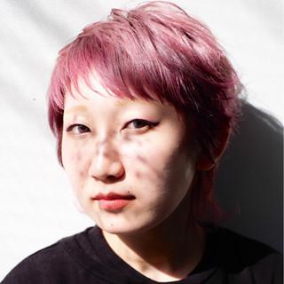 ショート ハイトーンカラー ピンク ネオウルフ ヘアスタイルや髪型の写真・画像