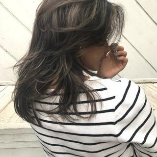 ロング アンニュイほつれヘア ナチュラル 春ヘア ヘアスタイルや髪型の写真・画像