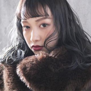 大人女子 アンニュイほつれヘア 外国人風 アッシュグレージュ ヘアスタイルや髪型の写真・画像