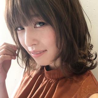 フェミニン 愛され ミディアム ヘアアレンジ ヘアスタイルや髪型の写真・画像