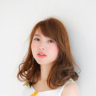 艶髪 ハイライト ミディアム ストリート ヘアスタイルや髪型の写真・画像
