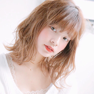 ミディアム ヘアアレンジ 大人かわいい デート ヘアスタイルや髪型の写真・画像