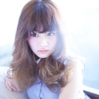 フェミニン レイヤーカット ゆるふわ ロング ヘアスタイルや髪型の写真・画像