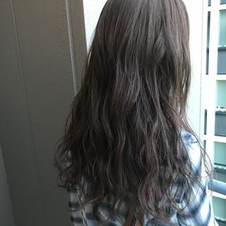 透明感 ロング デート グレージュ ヘアスタイルや髪型の写真・画像