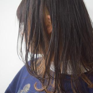 ハイトーンカラー ミディアムレイヤー レイヤースタイル ミルクティーベージュ ヘアスタイルや髪型の写真・画像