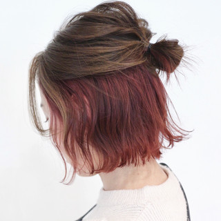 簡単ヘアアレンジ ヘアアレンジ インナーカラー セルフヘアアレンジ ヘアスタイルや髪型の写真・画像