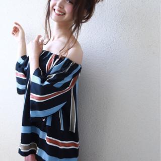 セミロング デート 簡単ヘアアレンジ フェミニン ヘアスタイルや髪型の写真・画像