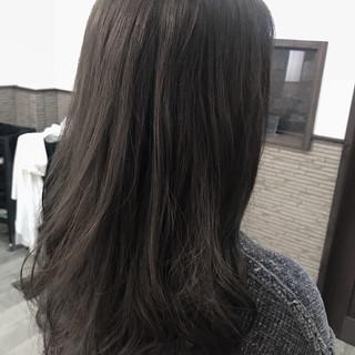 グレージュ ミディアム アッシュグレー アッシュグレージュ ヘアスタイルや髪型の写真・画像