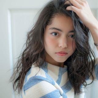 ウェーブ パーマ 外国人風 セミロング ヘアスタイルや髪型の写真・画像