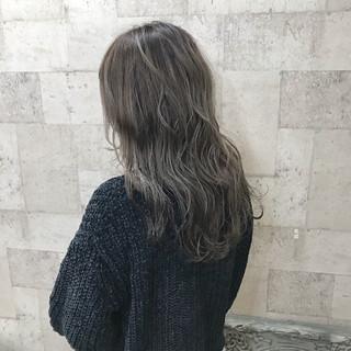 ハイトーン 外国人風 ロング ブリーチ ヘアスタイルや髪型の写真・画像