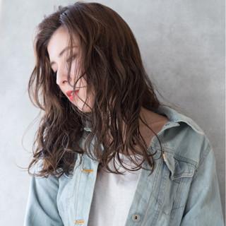 ハイトーン ストリート 外国人風 かき上げ前髪 ヘアスタイルや髪型の写真・画像 ヘアスタイルや髪型の写真・画像