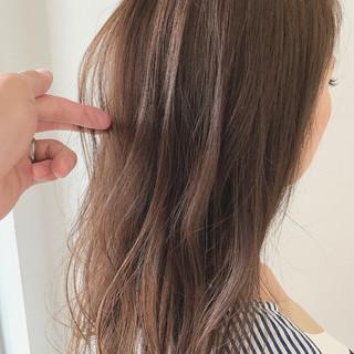 ゆるウェーブ ナチュラル 透明感 セミロング ヘアスタイルや髪型の写真・画像