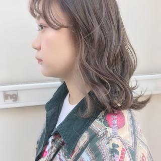 ダブルカラー ハイトーン ベージュカラー ガーリー ヘアスタイルや髪型の写真・画像