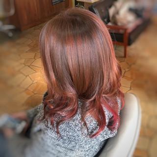 ストリート 巻き髪 ミディアム バレイヤージュ ヘアスタイルや髪型の写真・画像