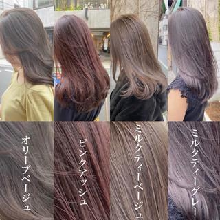 ピンクアッシュ インナーカラー オリーブベージュ ロング ヘアスタイルや髪型の写真・画像