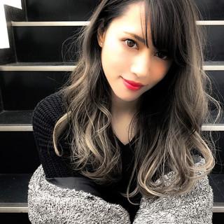 セミロング ハイライト ストリート バレイヤージュ ヘアスタイルや髪型の写真・画像