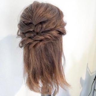 女子会 アウトドア ロング フェミニン ヘアスタイルや髪型の写真・画像