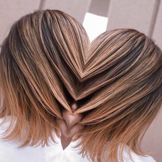 グラデーションカラー ミディアム バレイヤージュ ヘアアレンジ ヘアスタイルや髪型の写真・画像