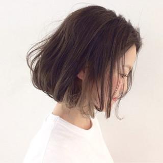 アッシュベージュ 色気 ナチュラル 外国人風 ヘアスタイルや髪型の写真・画像 ヘアスタイルや髪型の写真・画像