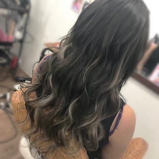 グレージュ 外国人風カラー エレガント ロング ヘアスタイルや髪型の写真・画像
