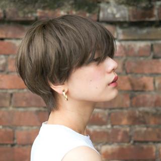 ショート アッシュ 色気 大人かわいい ヘアスタイルや髪型の写真・画像 ヘアスタイルや髪型の写真・画像