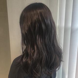 外国人風 グレージュ ストリート 暗髪 ヘアスタイルや髪型の写真・画像