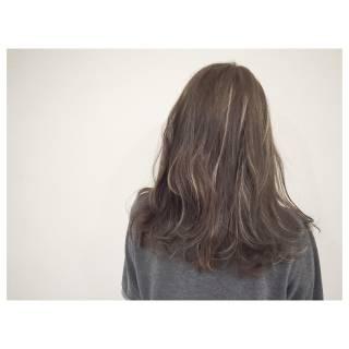 セミロング グラデーションカラー 大人かわいい ウェットヘア ヘアスタイルや髪型の写真・画像