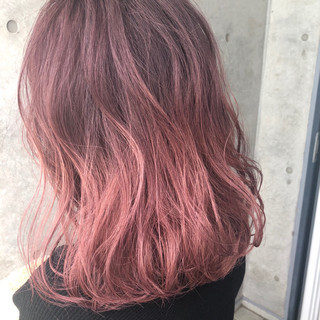 ゆるふわ ミディアム ストリート ピンク ヘアスタイルや髪型の写真・画像