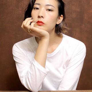 パーマ モード 色気 ハイライト ヘアスタイルや髪型の写真・画像