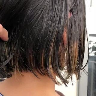 ボブ ストリート カジュアル インナーカラー ヘアスタイルや髪型の写真・画像