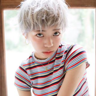 アッシュ おフェロ ハイトーン ショート ヘアスタイルや髪型の写真・画像
