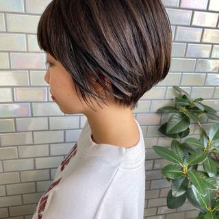 ショートヘア ショートボブ ナチュラル ベリーショート ヘアスタイルや髪型の写真・画像