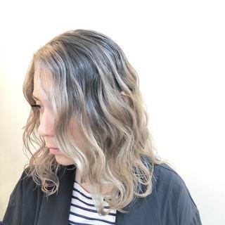 グラデーションカラー ミディアム ハイライト バレイヤージュ ヘアスタイルや髪型の写真・画像