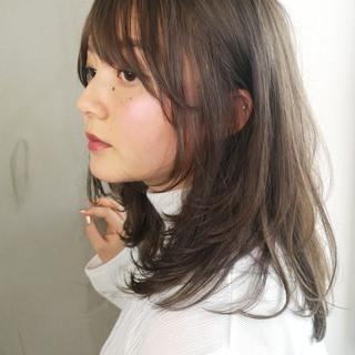 大人女子 ミディアム グレージュ ミルクティー ヘアスタイルや髪型の写真・画像