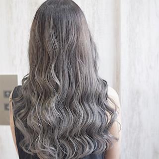 ミディアム ミルクティーグレージュ ミルクティーベージュ エレガント ヘアスタイルや髪型の写真・画像