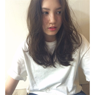 アッシュ ストリート セミロング 外国人風 ヘアスタイルや髪型の写真・画像