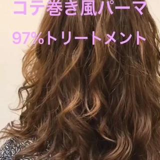 巻き髪 原宿 デジタルパーマ ミディアム ヘアスタイルや髪型の写真・画像 ヘアスタイルや髪型の写真・画像