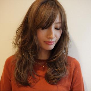 コンサバ ゆるふわ グラデーションカラー ロング ヘアスタイルや髪型の写真・画像
