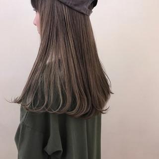 ロング ブリーチ 透明感 ハイライト ヘアスタイルや髪型の写真・画像
