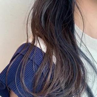ラベージュ ナチュラル インナーカラー ロング ヘアスタイルや髪型の写真・画像