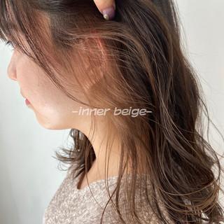 シアーベージュ ナチュラル 切りっぱなしボブ ミルクティーベージュ ヘアスタイルや髪型の写真・画像