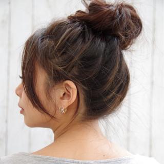 お団子 ガーリー 夏 色気 ヘアスタイルや髪型の写真・画像