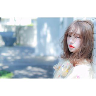 アンニュイほつれヘア ヘアアレンジ コテ巻き ミディアム ヘアスタイルや髪型の写真・画像